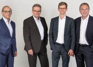 The new Isra Vision management team (from right: Hans Jürgen Christ, Tomas Lundin (speaker), Dr Johannes Giet) takes over from the retiring CEO and founder Enis Ersü (left)