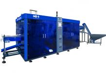 PET Technologies' APF-6004 blow molding machine